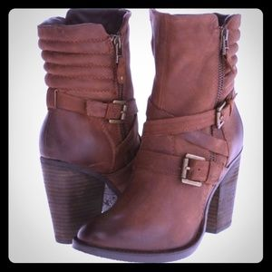 Steve Madden genuine Raleigh leather moto boots
